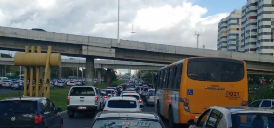 Acidente na Pituba e protesto em São Caetano; confira o trânsito