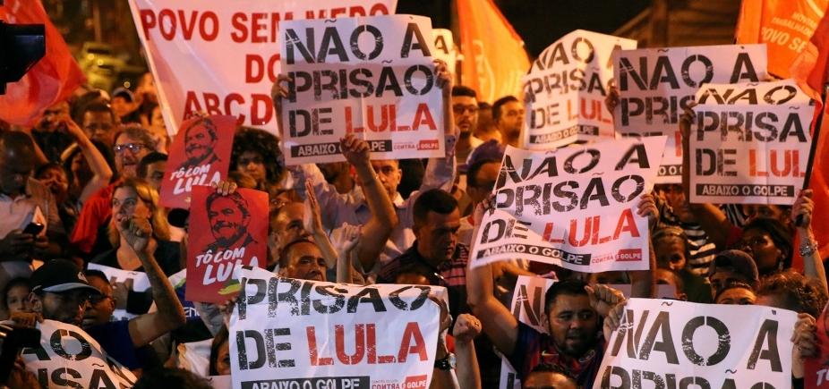 Lula vai ficar no sindicato junto com a militância, diz Gleisi Hoffmann