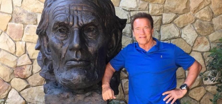 Após cirurgia no coração, Schwarzenegger recebe alta
