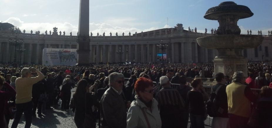 Padre é preso no Vaticano acusado de pedofilia