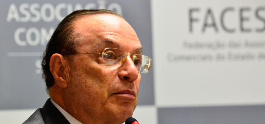 Paulo Maluf continua internado em São Paulo