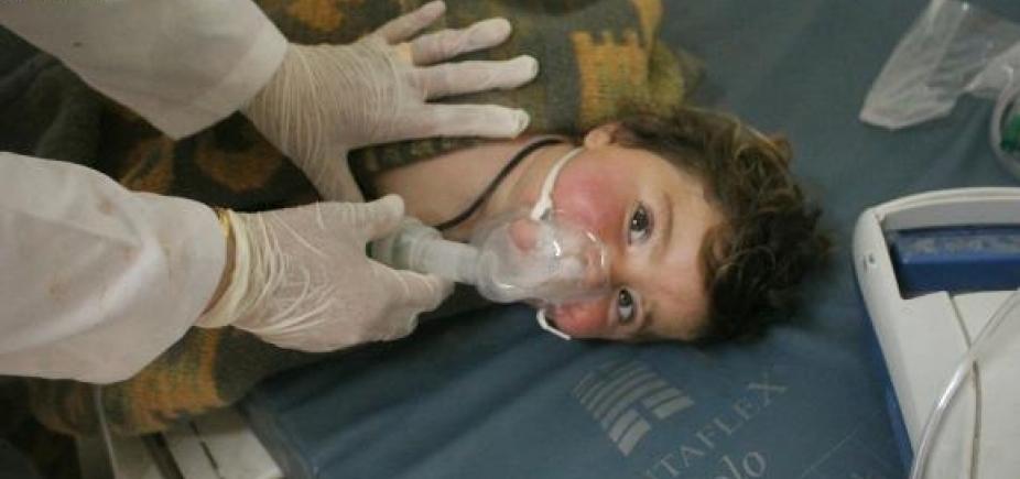 Ataque químico mata dezenas de pessoas na Síria; governo nega