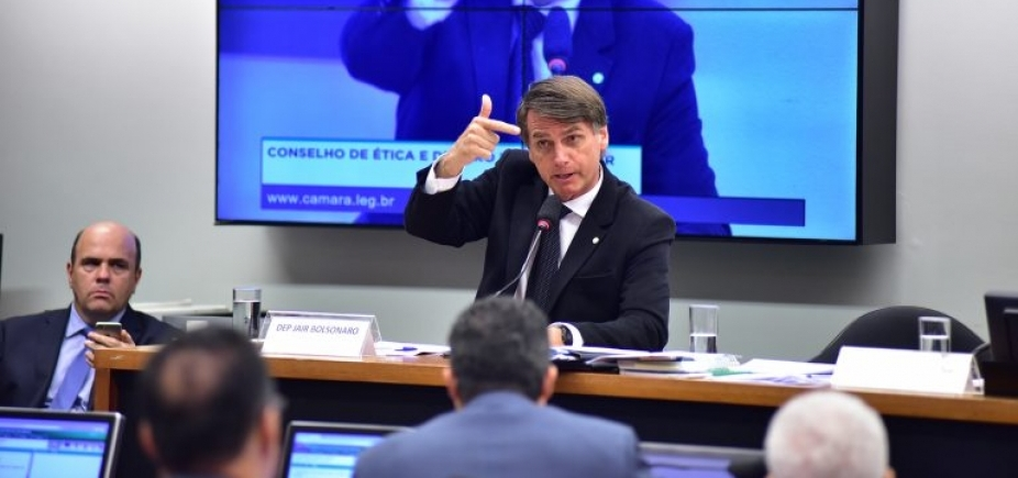 Prisão de Lula faz Bolsonaro mirar Ciro Gomes