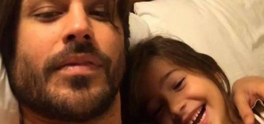 Dado Dolabella posta foto com a filha após soltura: ʹPapai está mais forte que nunca!ʹ