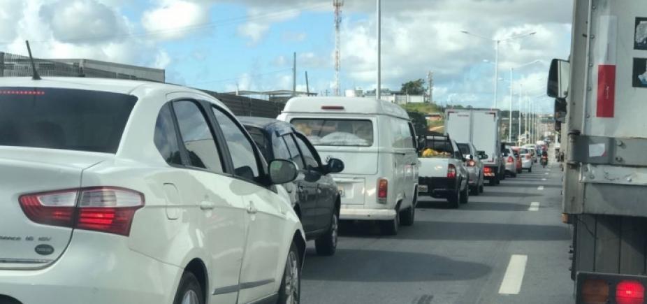 Manifestação bloqueia tráfego nos dois sentidos da BR-116