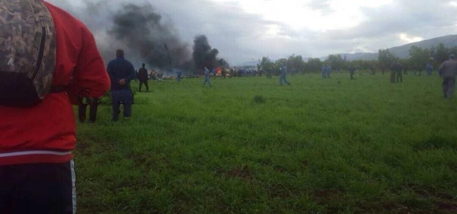 Sobe para 257 total de mortos em acidente com avião militar na Argélia