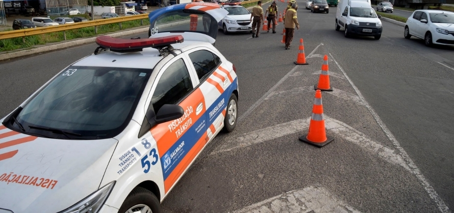Transalvador multa veículos de manifestantes pró-Lula