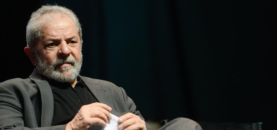 Ex-presidente Lula recebe visita de parentes em Curitiba