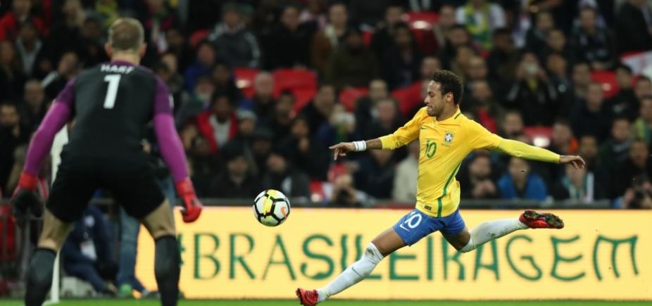 Neymar estima retorno aos gramados em um mês