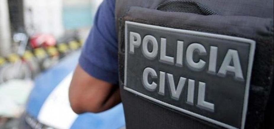 Polícia encontra corpo carbonizado em carro de delegado desaparecido