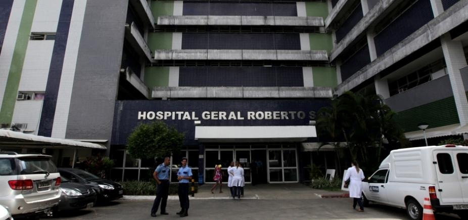 Mulher dá à luz dentro de táxi em frente ao Hospital Roberto Santos
