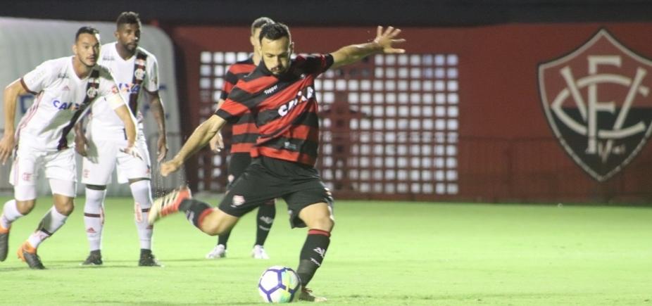 Em jogo marcado por erros de arbitragem, Vitória empata com o Flamengo em 2 a 2