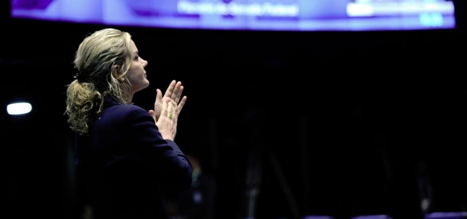 Mídia 'potencializa deslizes de governo popular', justifica presidente do PT