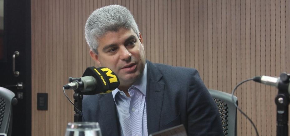 ʹPrivilegia quem não fez dever de casaʹ, diz Barbosa sobre intervenção militar no RJ