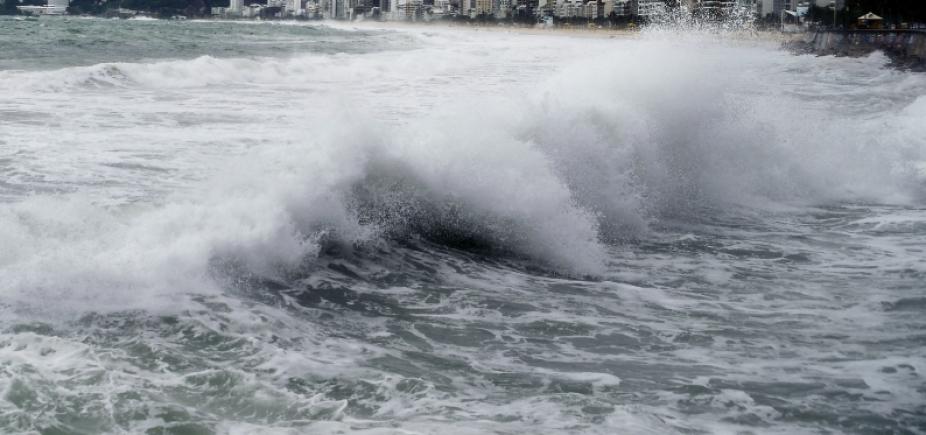 Bahia pode ter ondas de até 3,5 metros por causa do mau tempo, alerta Marinha