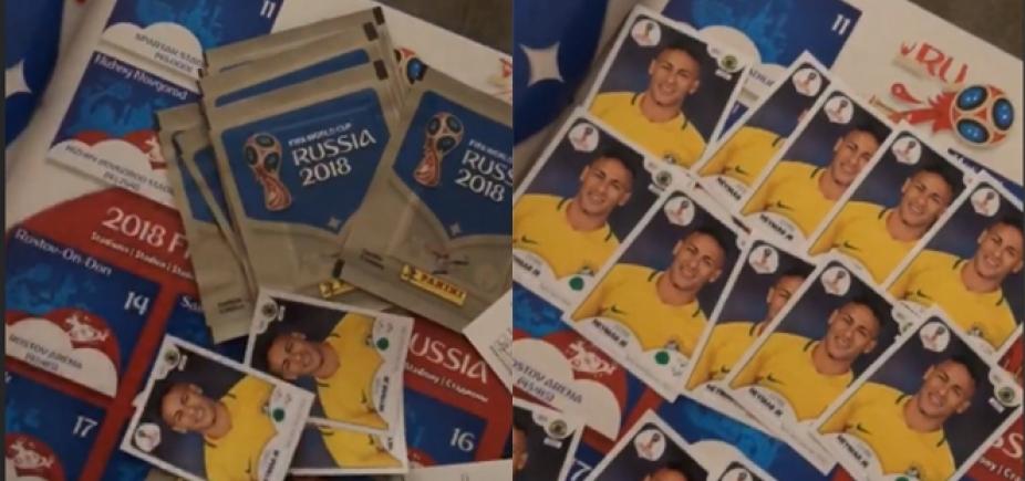 Quer trocar? Bruna Marquezine ganha álbum da Copa só com figurinhas do Neymar