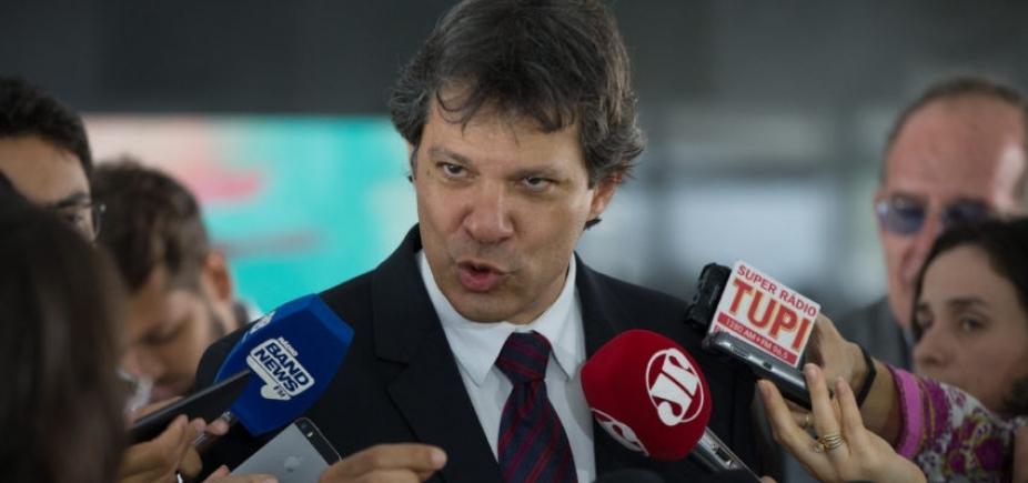 Mesmo com Lula preso, Haddad toca programa de governo do PT