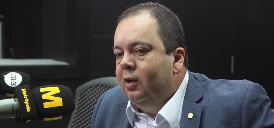 Elmar volta a criticar Neto: 'Ouviu mais quem tava fora da política'