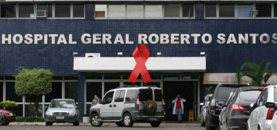 Centro cirúrgico do Hospital Roberto Santos fica alagado após forte chuva