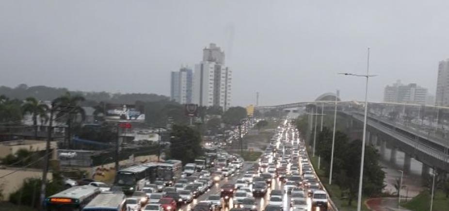 Salvador tem dia mais chuvoso do mês de abril