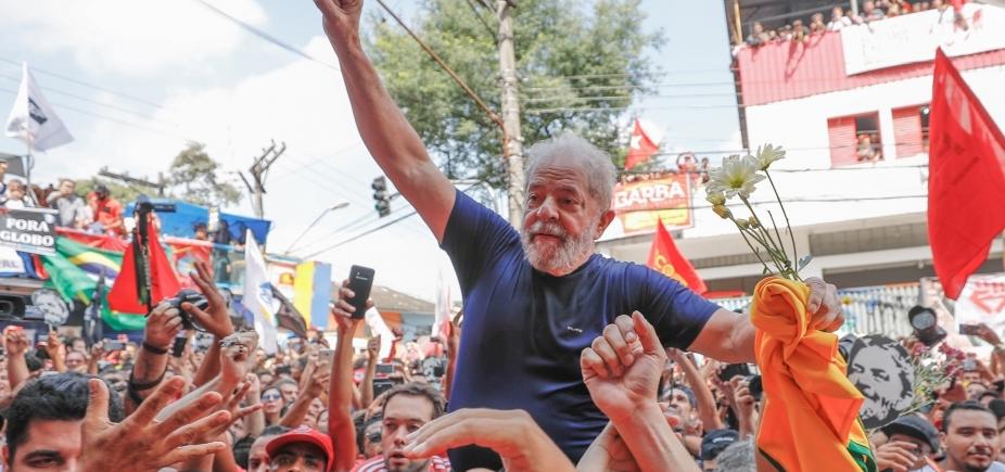 Prisão de Lula impulsiona filiações, e PT lança campanha com o nome do petista