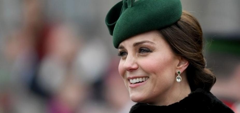 Kate Middleton dá entrada em hospital de Londres em trabalho de parto