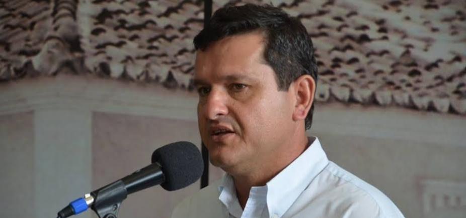 Prefeito e vice de Guanambi são multados por contratações; ex-gestor fica inelegível