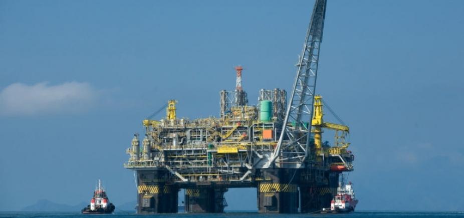 Disputa entre União e Petrobras trava megaleilão de petróleo de R$ 100 bi