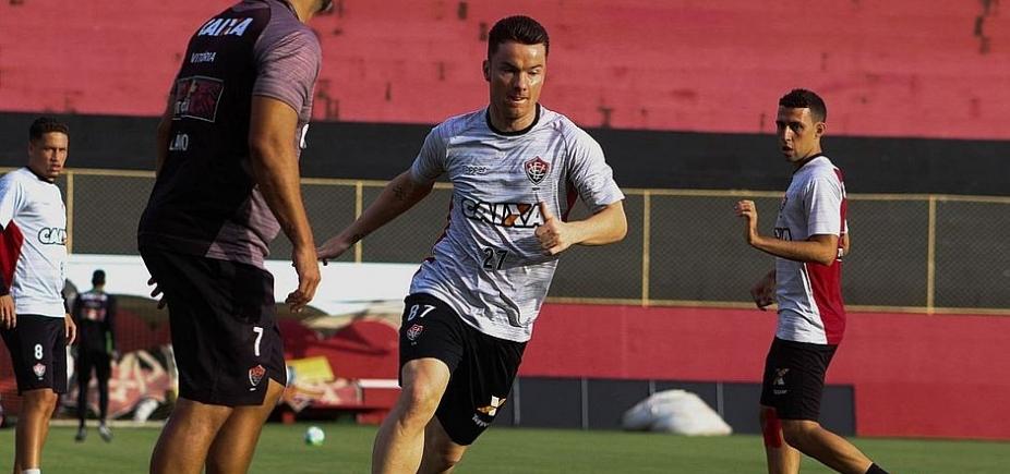 Com contrato até julho, Baumjohann revela desejo de ficar no Vitória