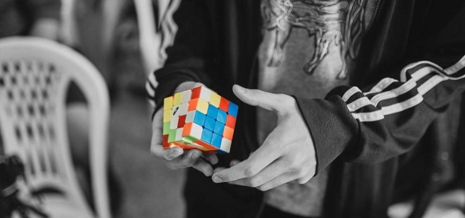 Campeonato de cubo mágico acontece no final de semana