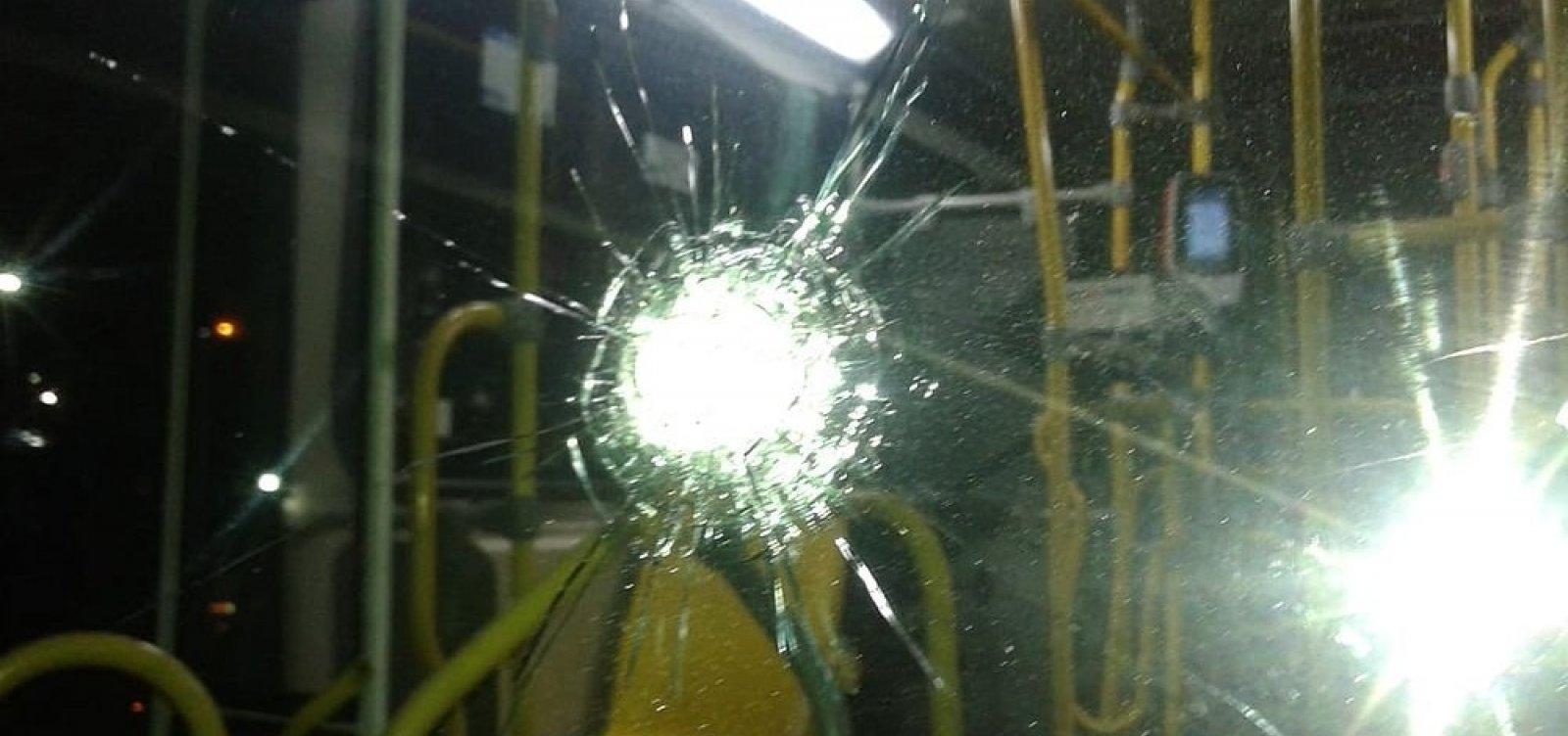 Microônibus são alvos de ataques e impedidos de rodar em Salvador