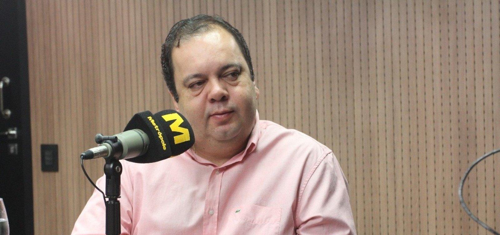 Deputado do DEM revela que votaria até no PT contra o 'louco' Bolsonaro