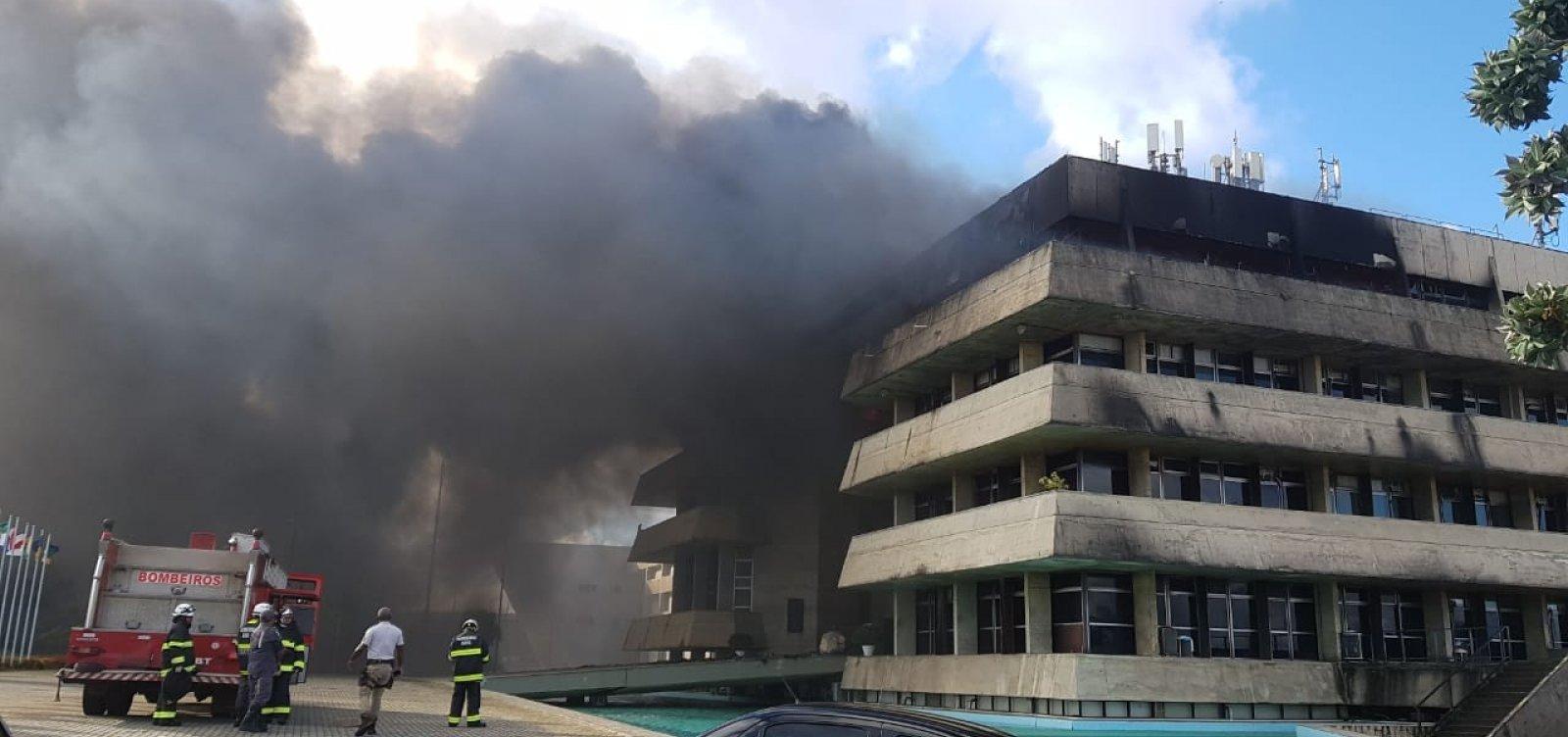 Incêndio atinge prédio da Assembleia Legislativa da Bahia