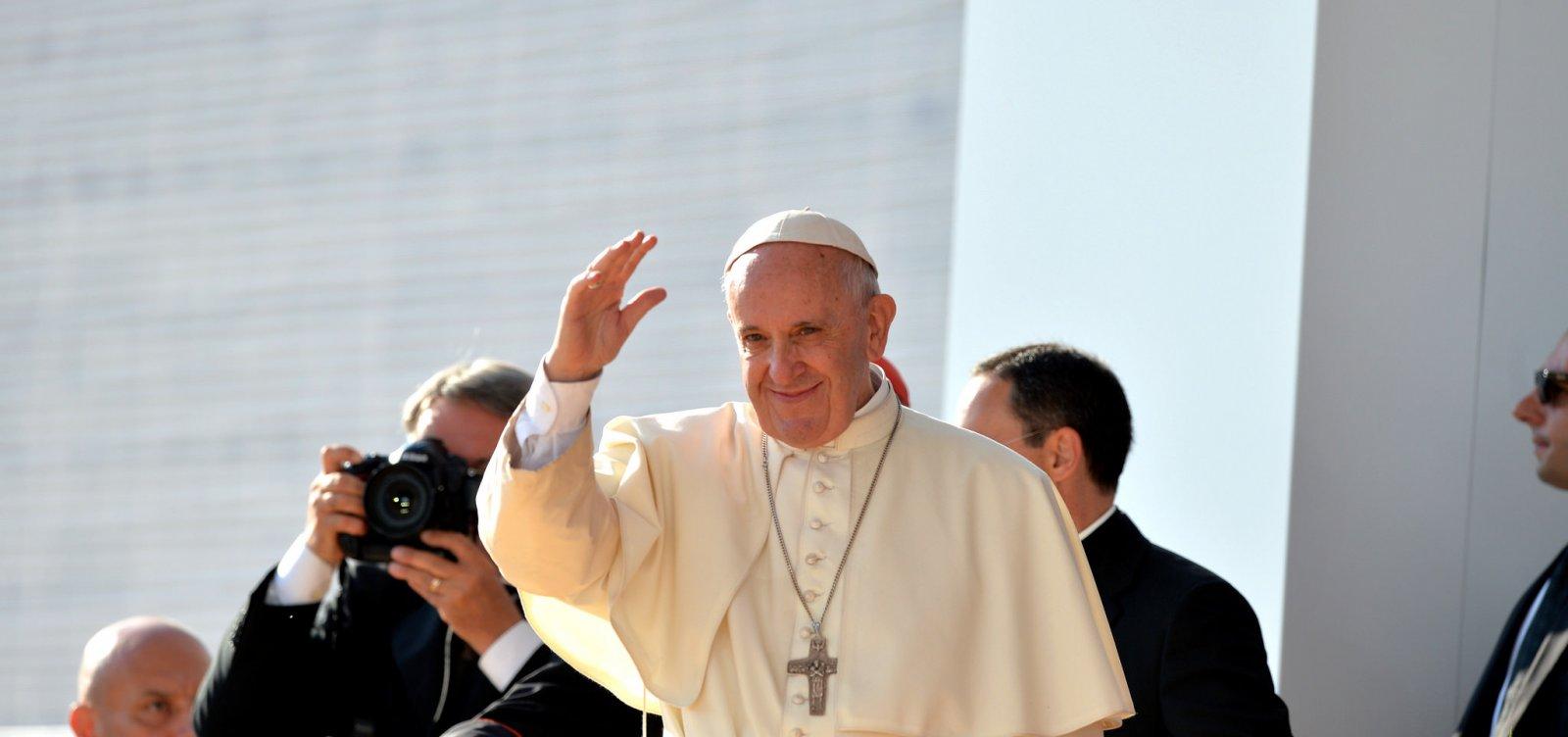 Papa Francisco faz discurso contra ódio: 'Parem de pensar em vocês mesmos'