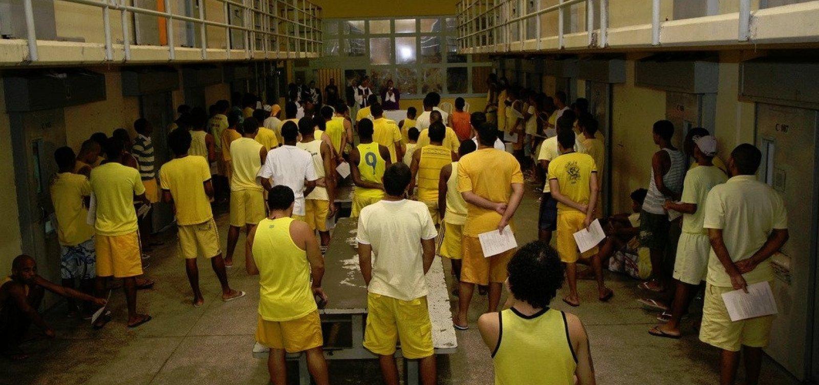 Três detentos fogem do Presídio Salvador