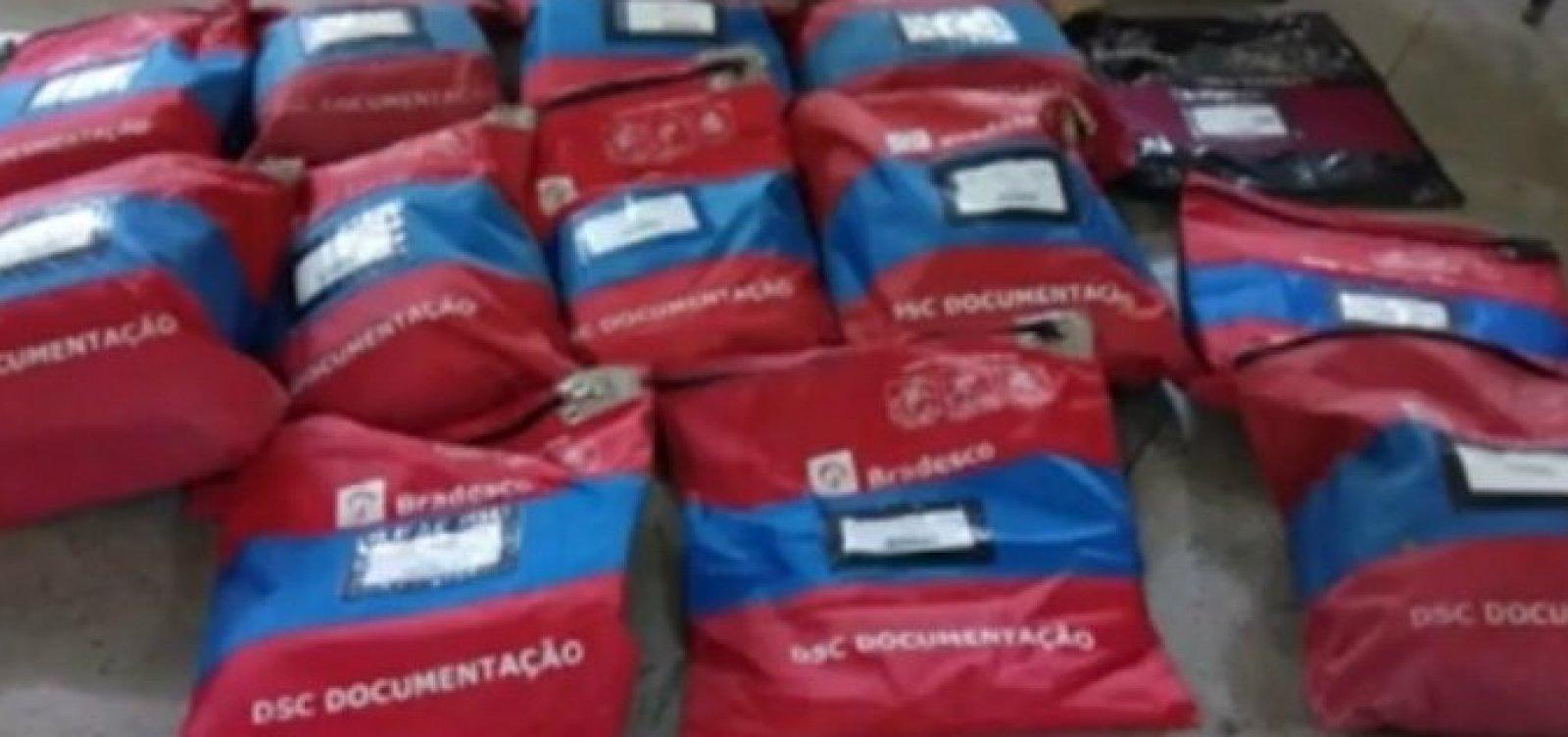 Vinte malotes com documentos do Bradesco são encontrados em Feira de Santana