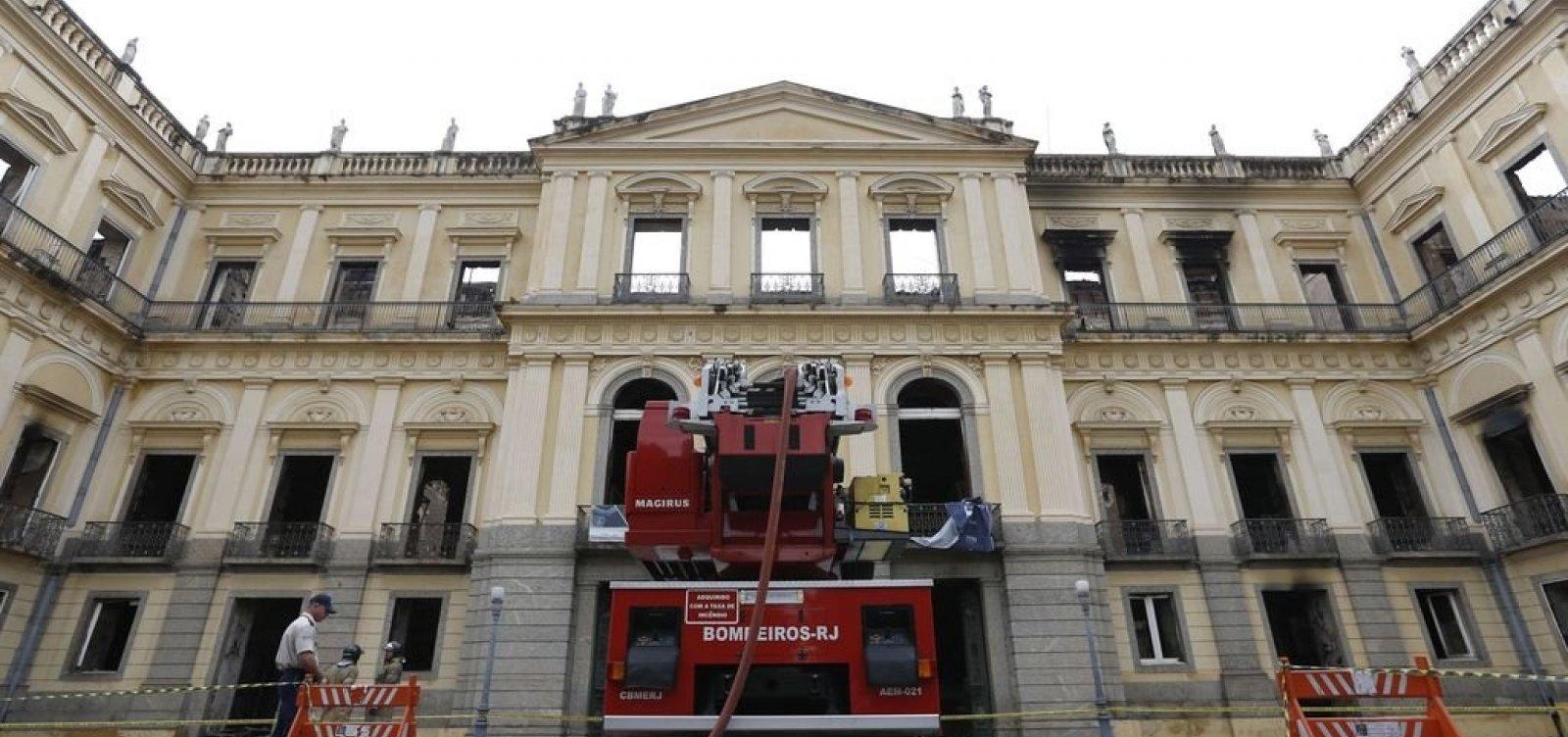 MEC libera R$ 8,5 mi para reconstruir Museu Nacional