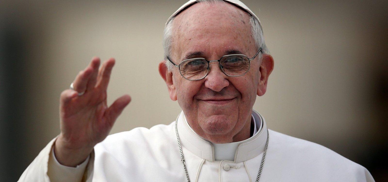 Papa Francisco aceita renúncia de dois bispos chilenos por pedofilia