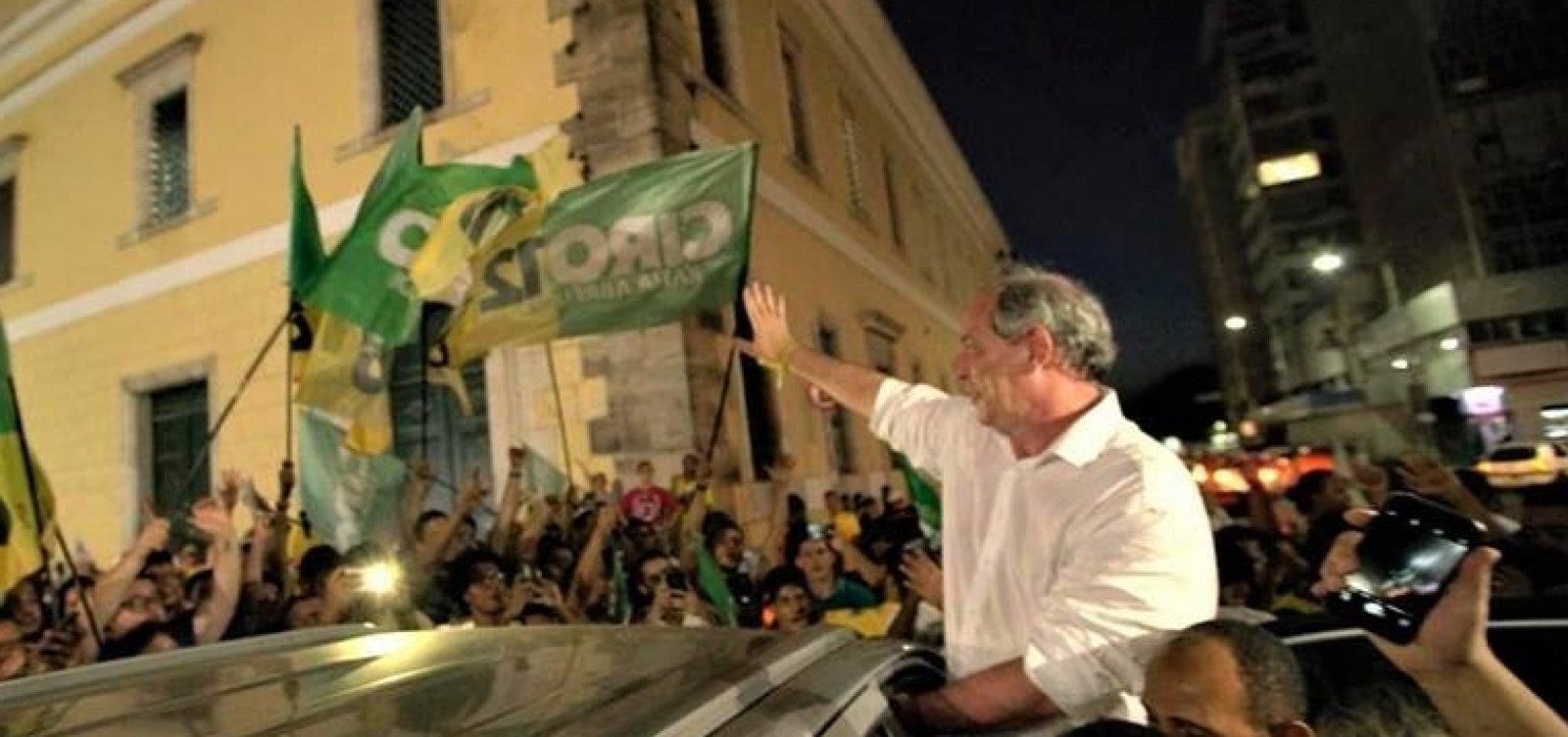 Em Salvador, Ciro condena 'extremismos' e prega união do país