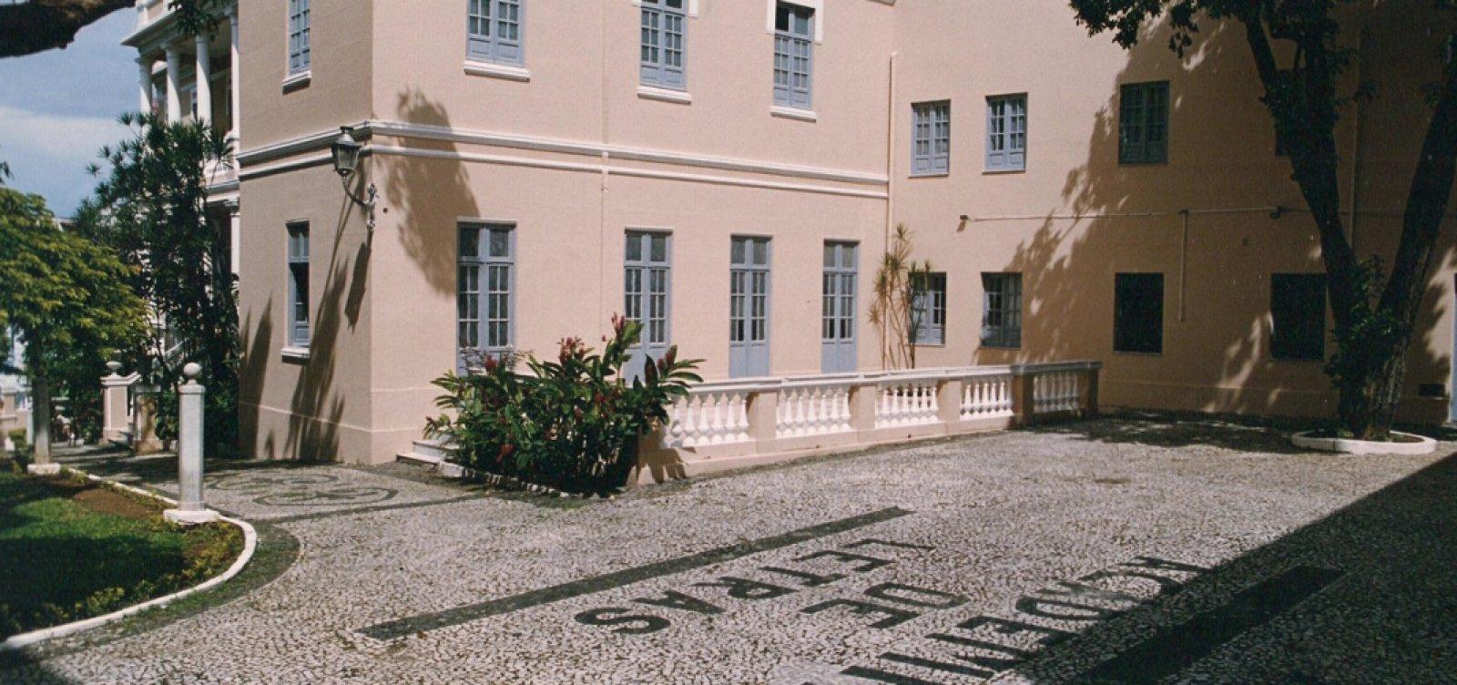 Academia de Letras da Bahia emite carta aberta a candidatos ao governo