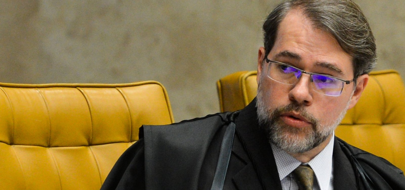 Presidente interino, Toffoli sanciona lei que criminaliza importunação sexual