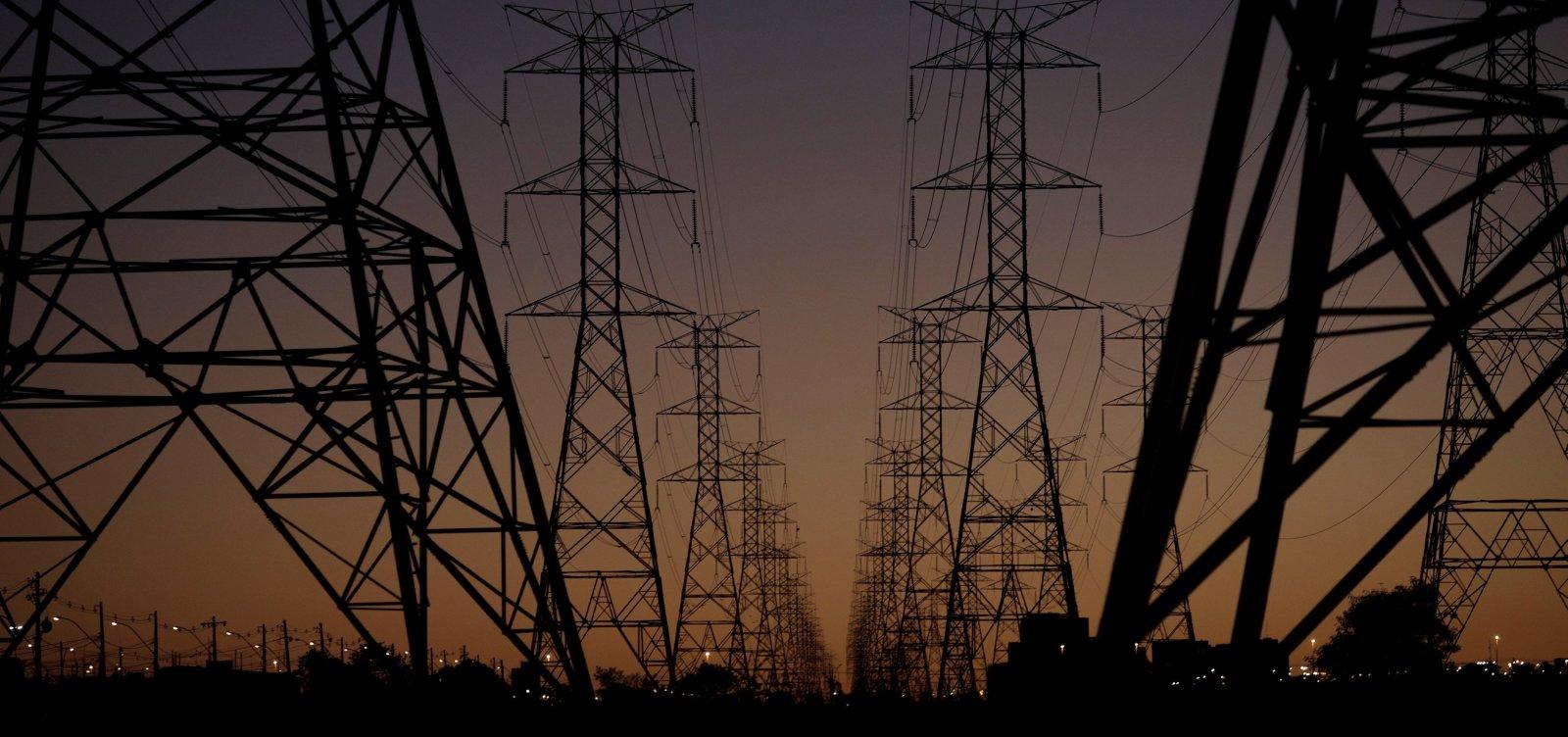 Roraima suspende uso de energia da Venezuela após apagões no estado