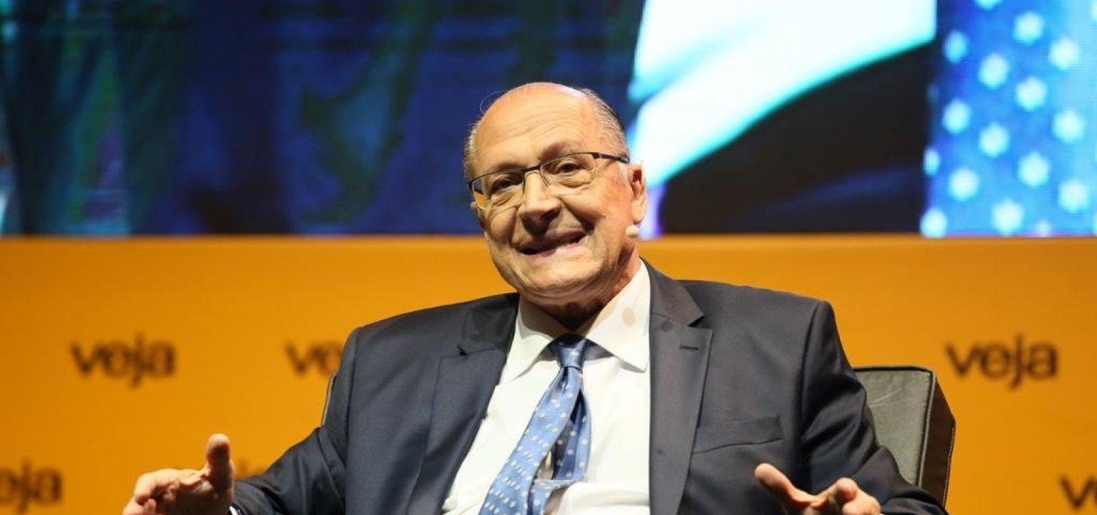 Alckmin leva à TV campanha de mulheres e prega voto útil para vencer PT