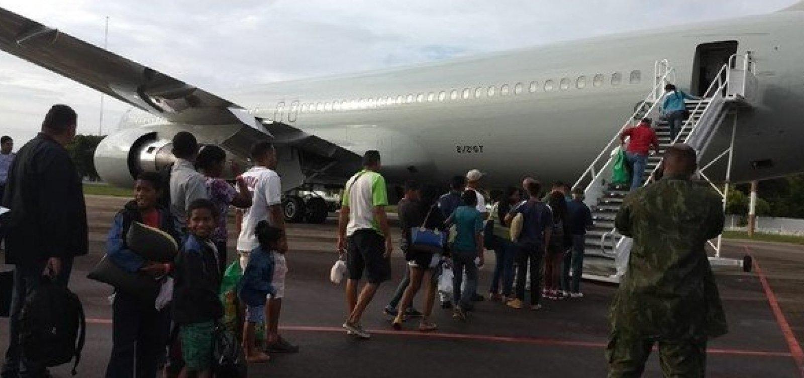 Voo da FAB leva 230 venezuelanos para Paraná e Rio Grande do Sul
