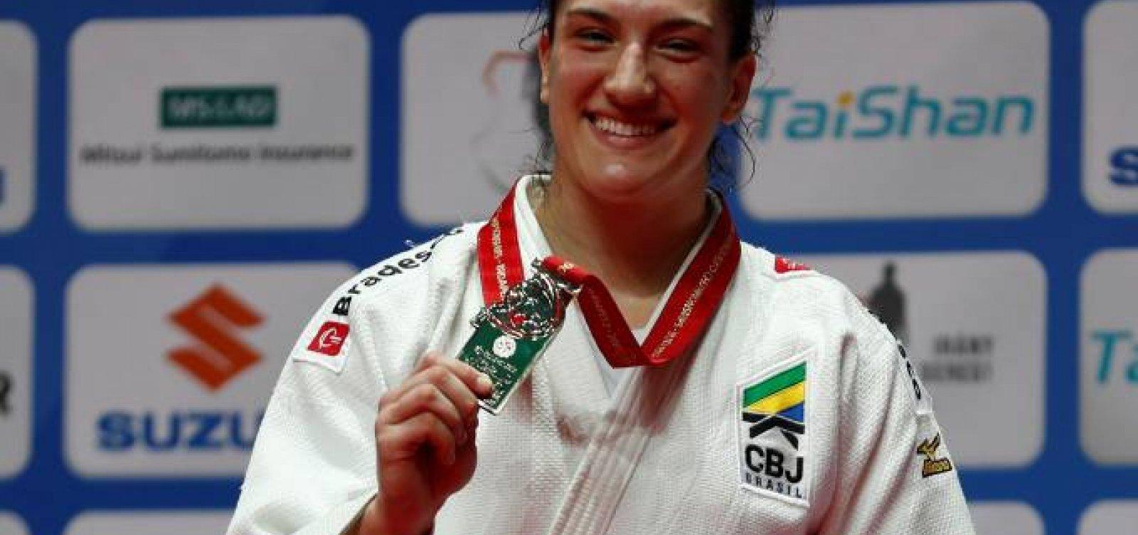 Mayra Aguiar é eliminada e deixa escapar tri no Mundial de judô