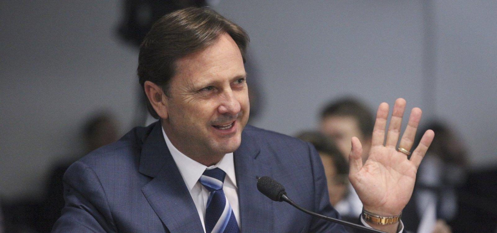 STF nega recurso e determina prisão de senador do PDT