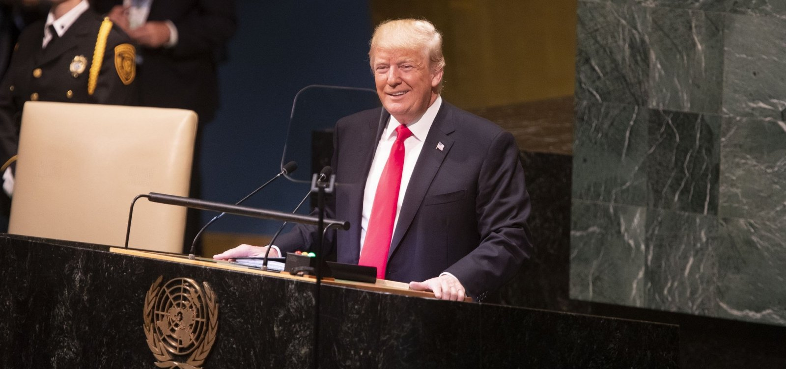 Trump diz que EUA vão garantir que Irã não tenha bomba nuclear