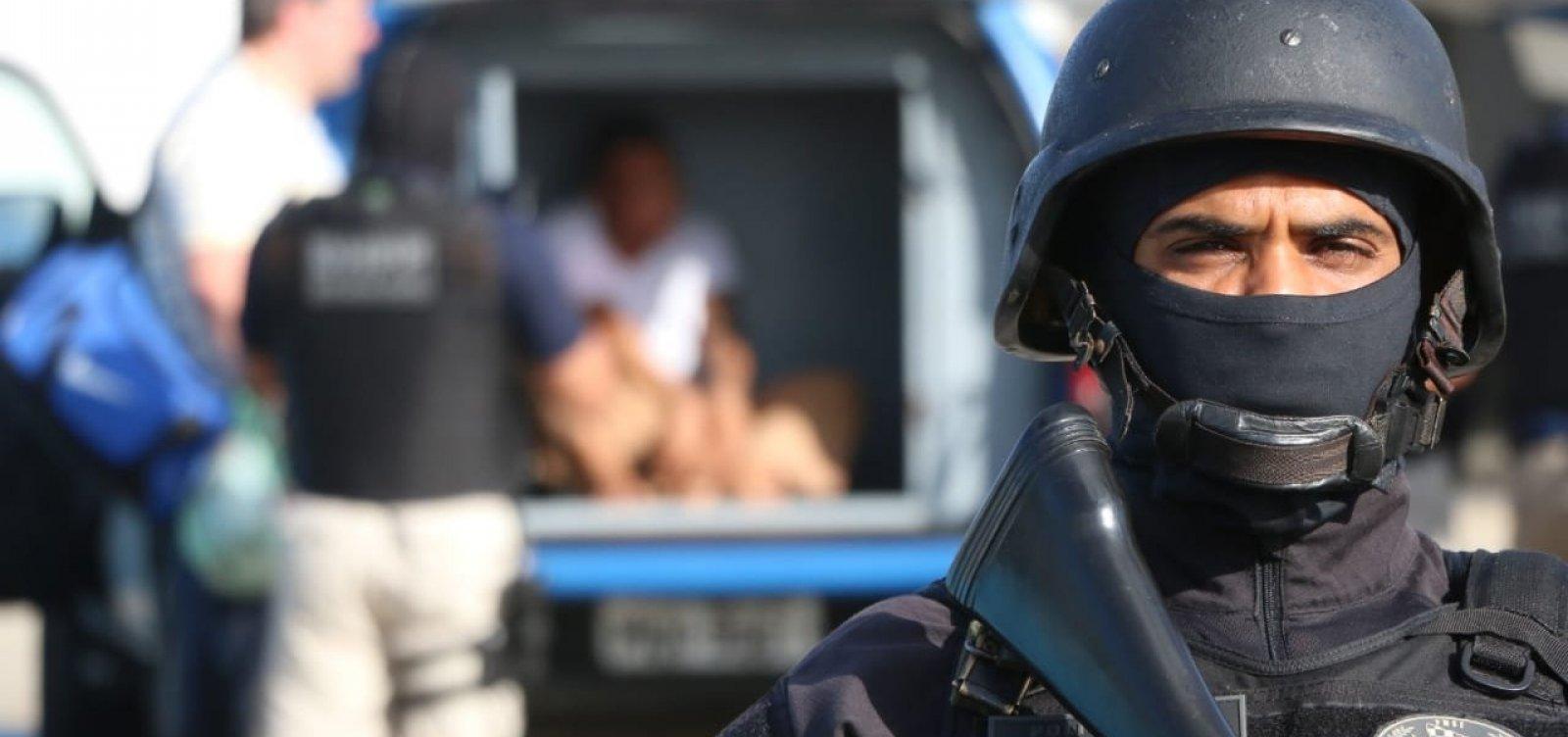 Acusado de matar cabo da PM e seguranças de show do Harmonia é apresentado pela polícia