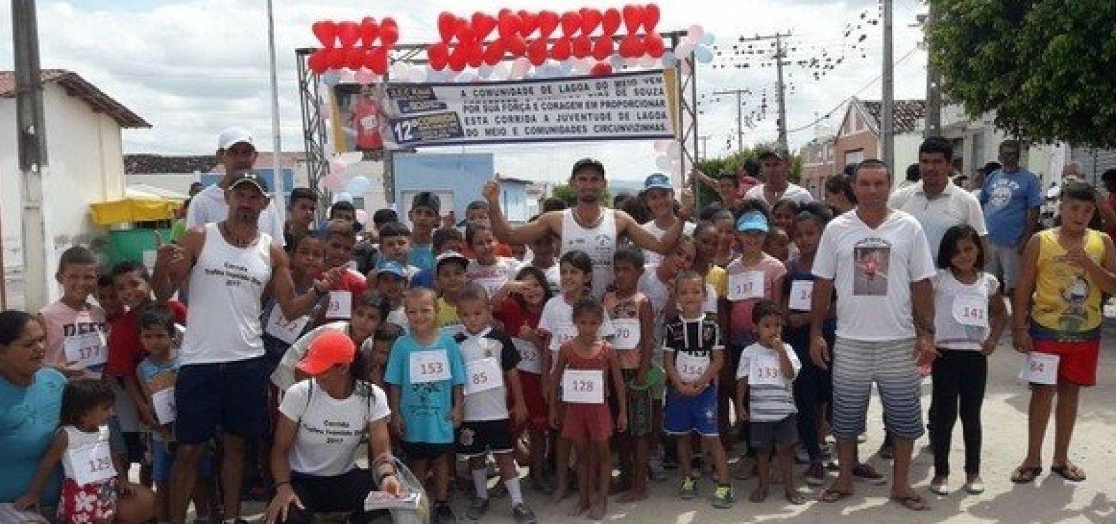 Lixeiro investe do próprio bolso em corridas de rua no sertão da Bahia