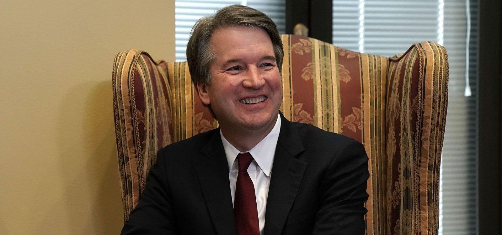 Comissão do Senado aprova indicação de Kavanaugh